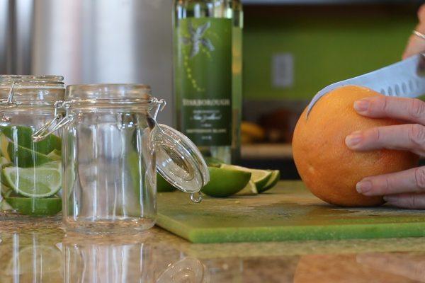 citrus-cutting