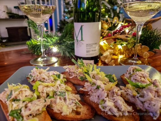 Montinore 2014 Muller Thurgau with Crab Cakes