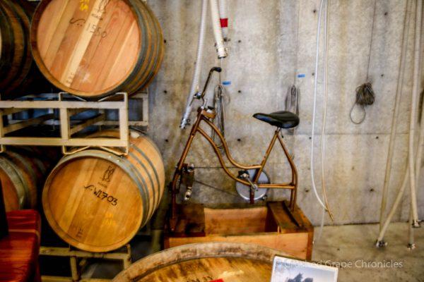 Illahe Vineyard Tasting room, 1899 Bike Pump