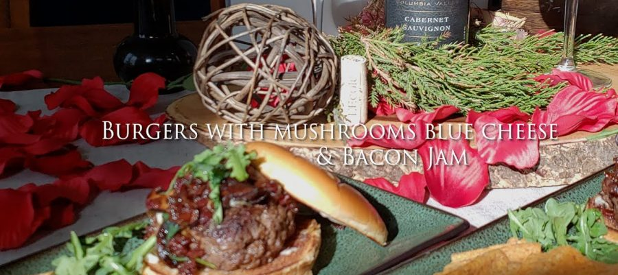 Burgers with Shitake mushrooms, blue cheese and Bacon Jam recipe, paired with Cabernet Sauvignon
