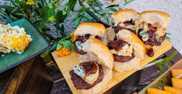 Hamburger sliders with bleu cheese and fig jam