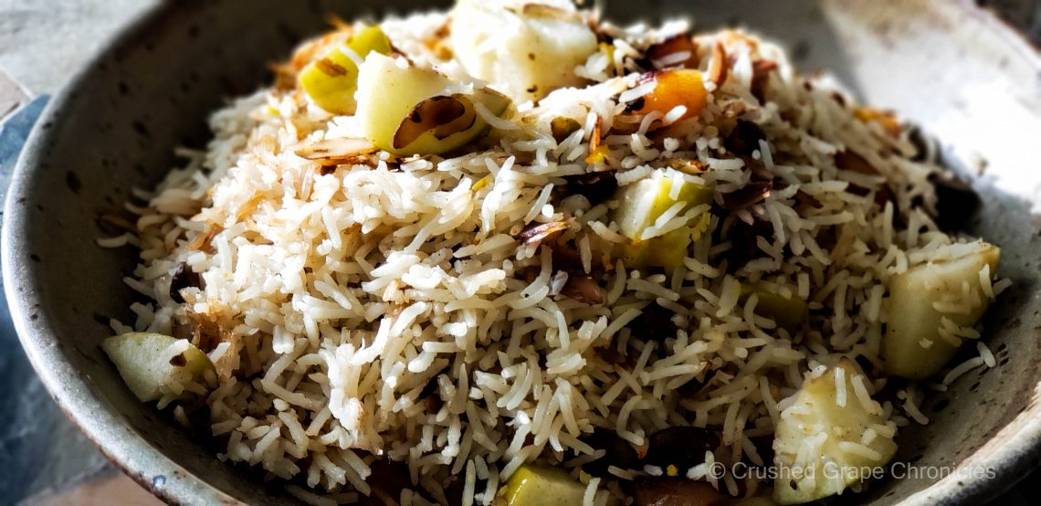 Basmati rice with apple and saffron